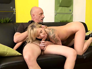 blonde,blowjob,fingering